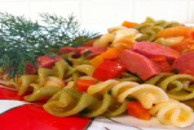 Salamla-Karışık-Sebzeli-Makarna-