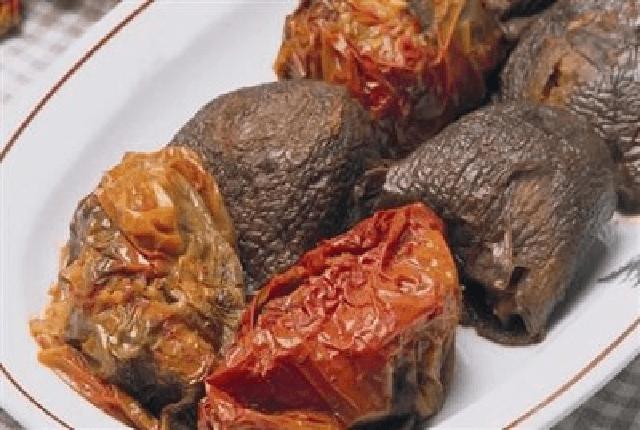 etli kuru patlıcan kuru biber dolması