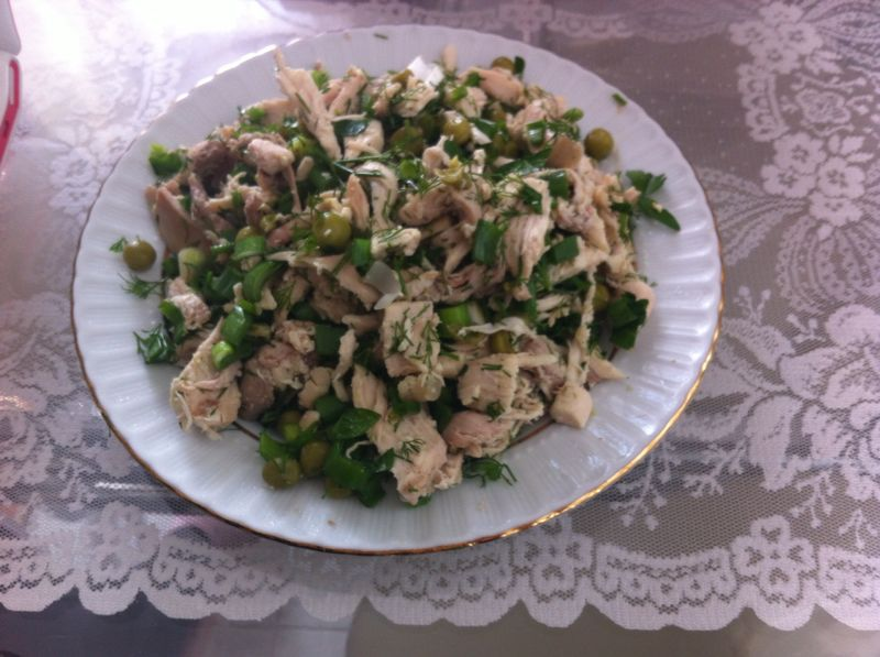 Bezelyeli Tavuk Salatası