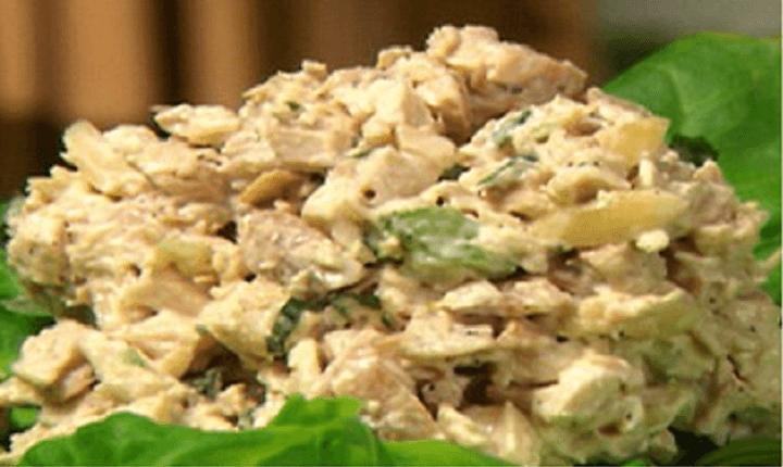 Tahinli Tavuk Salatası